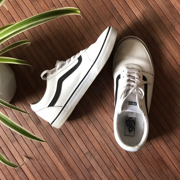 278a87837d Vans • Ward Low Top Leather Skate Shoe. M 5abd85312ae12f6f0842470f